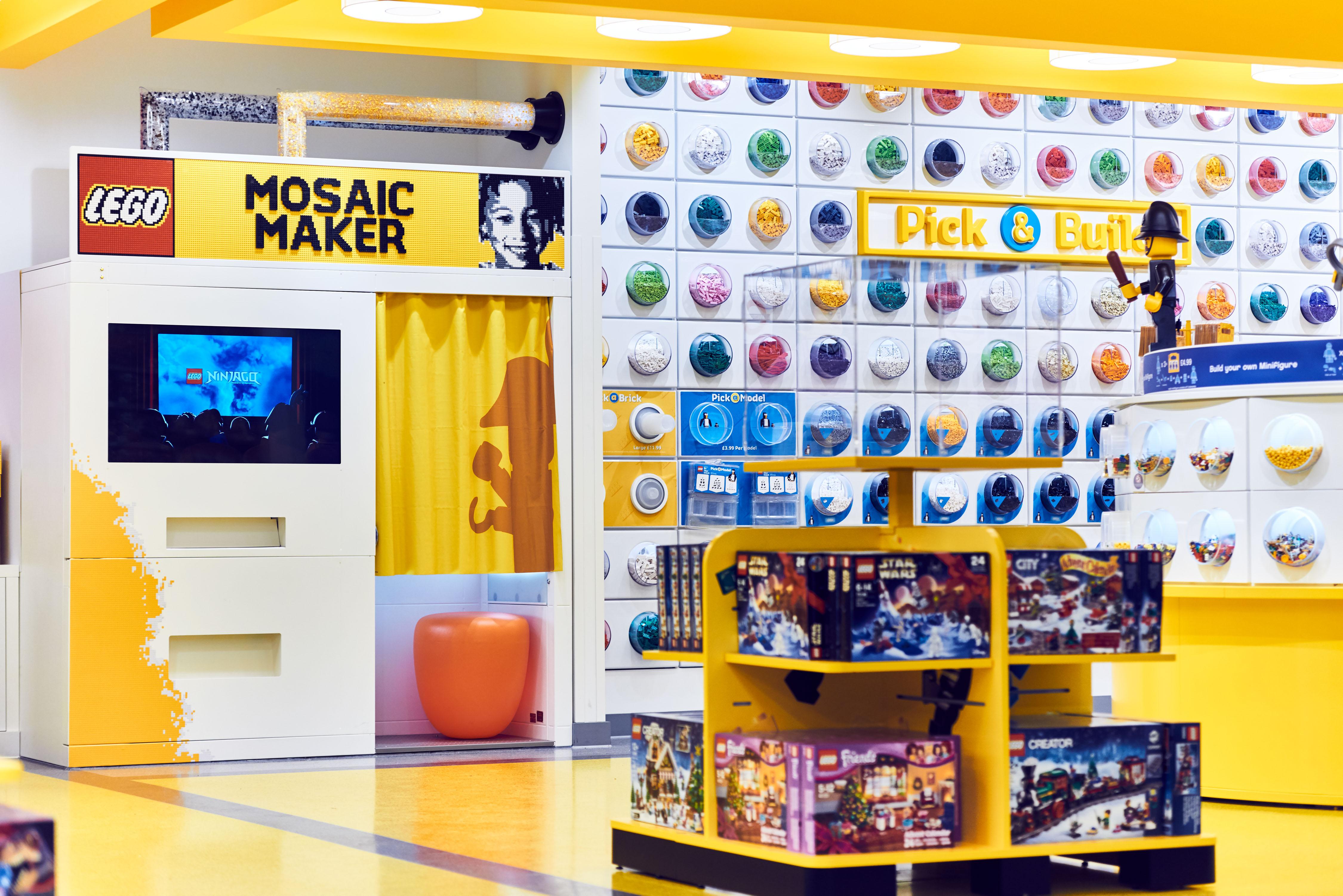 lego-mosaic-maker-2-lego-store-london-embargo-17-11-16-copyright-lego