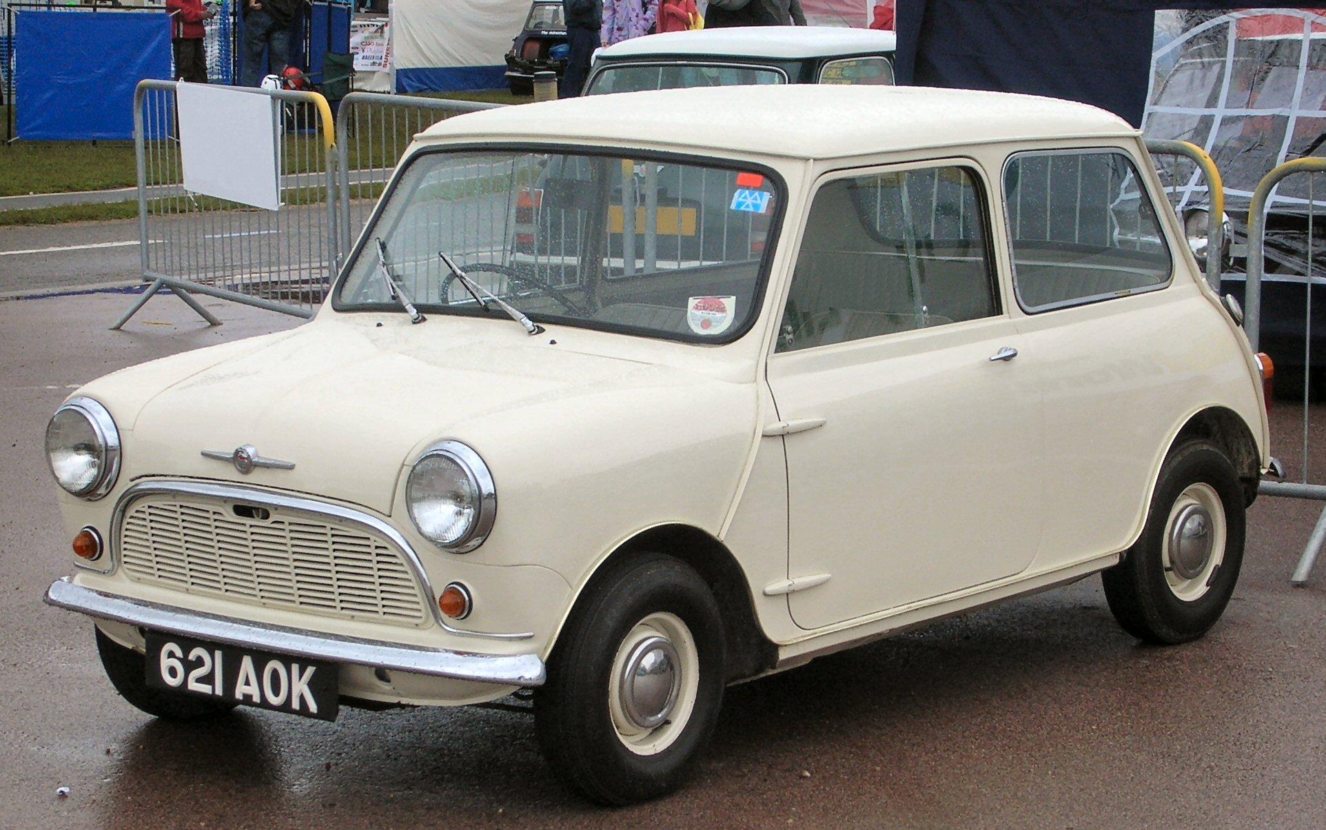Morris_Mini-Minor_1959_(621_AOK)